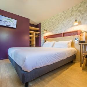 Hotel Pictures: Archipel Volcans, Saint-Genès-Champanelle