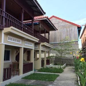 Foto Hotel: Ou Dom Bungalows, Koh Rong Sanloem