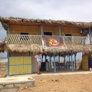 Hotel Pictures: Luna Beach Village at Dolphin Beach, Data de Posorja