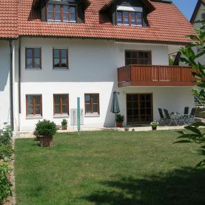 Hotel Pictures: Ferienwohnung Familie Sinn, Pappenheim