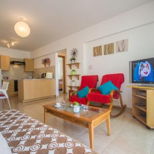 Hotel Pictures: Gardenia Sunshine Holidays, Paralimni
