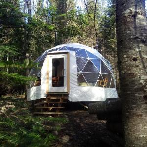 Hotel Pictures: Dome Ecologie - Centre de l'Hetre, Lac-Beauport