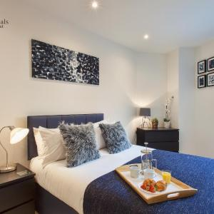 Hotel Pictures: Kings Rd Reading by Home Professionals, Reading