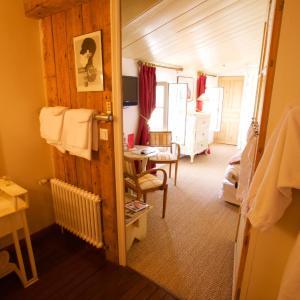Hotel Pictures: Le Corps de Garde, Saint-Martin-de-Ré
