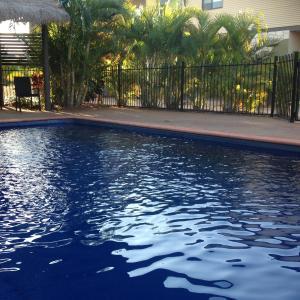 Фотографии отеля: Breezes Apartments, Broome