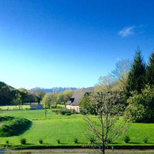 Hotel Pictures: Gite-Holiday Home Au Moulin 1771, Monein