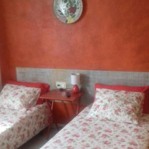Hotel Pictures: Hostal Can Serra, Pardines