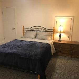 Hotel Pictures: Spacious & Modern Basement Suite, Port Coquitlam