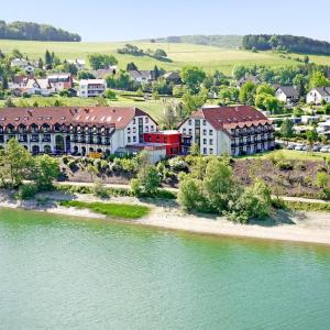 Hotel Pictures: Göbel's Seehotel Diemelsee, Diemelsee
