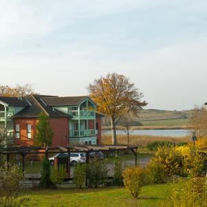 Hotelbilleder: Ferienappartement 'Mönchgut 2', Neuensien
