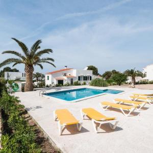 Hotel Pictures: Casa Anna, Sant Lluis