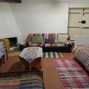 Hotel Pictures: Gourri Traditional House, Gourri