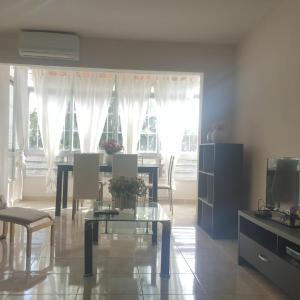 Hotel Pictures: Calm 3 bedrooms Apartment in Alicante, Alicante