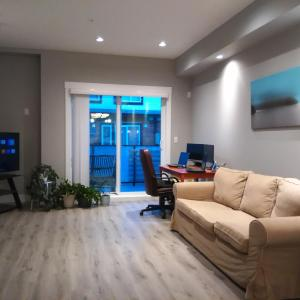 Hotel Pictures: Brand New TownHouse, New Westminster