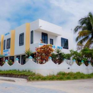 Hotel Pictures: Hostal Brisas del Mar, Puerto Villamil
