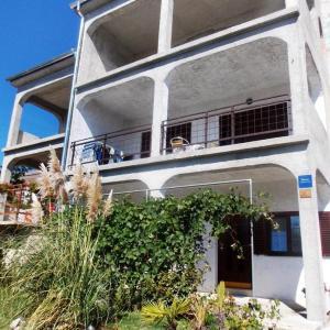 Hotellikuvia: Apartment Novi Vinodolski 5600b, Novi Vinodolski