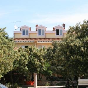 酒店图片: Apartment Mandre 6309c, Kolan