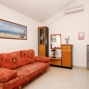 Hotel Pictures: Apartment Dramalj 5534a, Dramalj