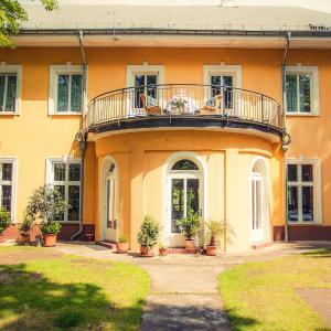 Hotel Pictures: Waldsee Hotel am Wirchensee, Treppeln