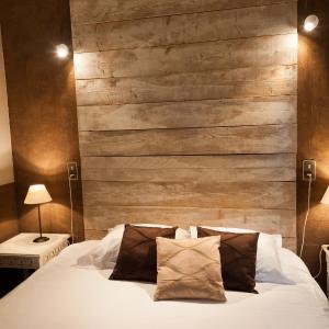 Hotel Pictures: Le Devem De Mirapier, Cornillon-Confoux
