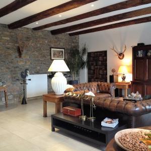Hotel Pictures: La Bâtisse, Lavastrie