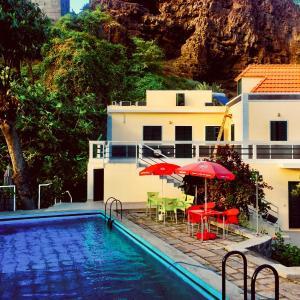 Hotel Pictures: Casa Santa Barbara Deluxe, Ribeira Grande