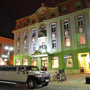 Hotel Pictures: Grand Hotel Praha, Jičín