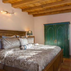 Hotel Pictures: Vista Azul Home, Santa Fe