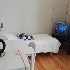 Hotel Pictures: Studio apartment in Kirkkonummi, Vernerinkuja 2 (ID 2768), Kirkkonummi