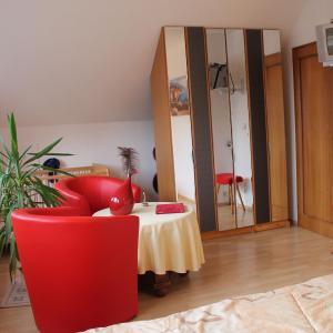 Hotel Pictures: Wiesenblick, Heiligenhagen