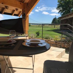 Hotel Pictures: Golf de La Chassagne, Mâlain