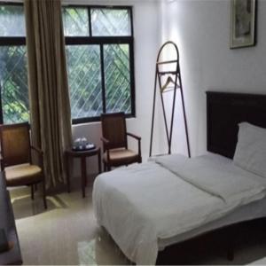 Hotel Pictures: Bao Ting Mei Li Zhi Jia Bin Guan, Baoting