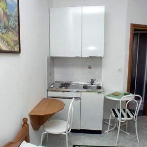 Hotel Pictures: Studio Selce 2364a, Selce