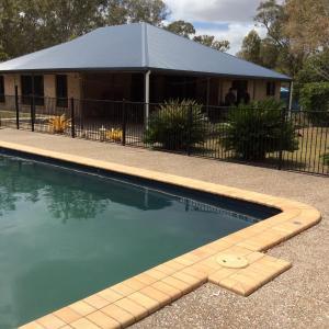 Hotellbilder: Beelbi Creek Lodge, Toogoom