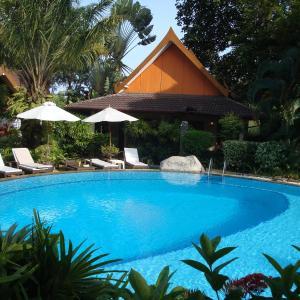 Hotel Pictures: Palm Garden Resort, Rawai Beach