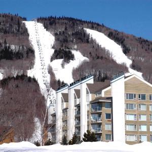 Hotel Pictures: Hébergement Mont-Ste-Anne Condos, Beaupré
