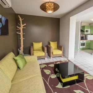 Hotel Pictures: Cottage 'Les Etangs' - La Réserve, Mesnil-Saint-Père