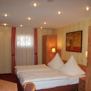 Hotel Pictures: Hotel Altes Rathaus, Ostfildern