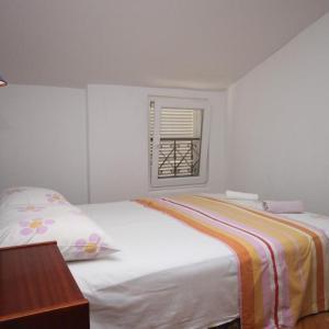 Фотографии отеля: Apartment Podgora 6705c, Подгора