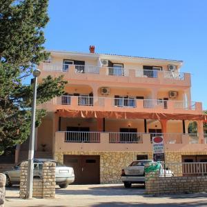 酒店图片: Double Room Mandre 3557a, Kolan