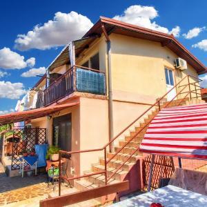 Hotel Pictures: Apartments Dragica 1312, Fažana