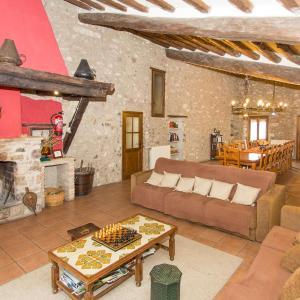 Hotel Pictures: Turismo Rural Can Massot, Darnius