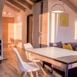 Hotelbilleder: Lebensart-am-See-FeWo-Ambiente-direkt-am-See, Bad Endorf