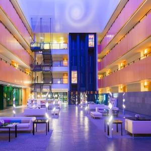 Hotel Pictures: Tryp Barcelona Aeropuerto Hotel, El Prat de Llobregat