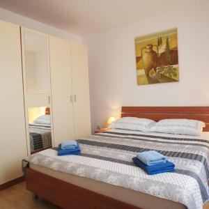 Hotellbilder: Holiday home in Liznjan/Istrien 17282, Ližnjan