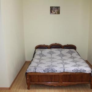 Hotellikuvia: Hotel on Pirosmani, Chiat'ura