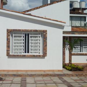 Hotel Pictures: Habitacion amoblada. El yopal Casanare, Yopal