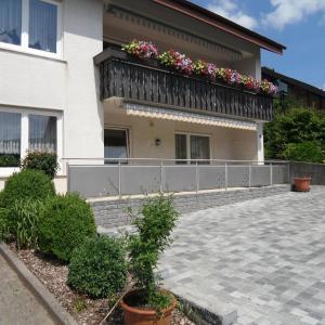Hotel Pictures: Ferienwohnung Meisenzahl, Buergstadt