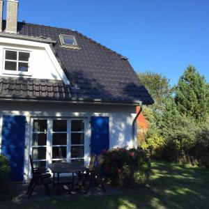 Hotelbilleder: Haus Zeesenboot Ferienwohnung Luv, Hiddensee