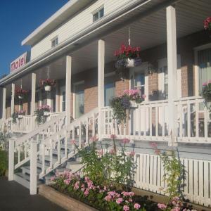 Hotel Pictures: Motel au Vieux Piloteux, Rivière-du-Loup